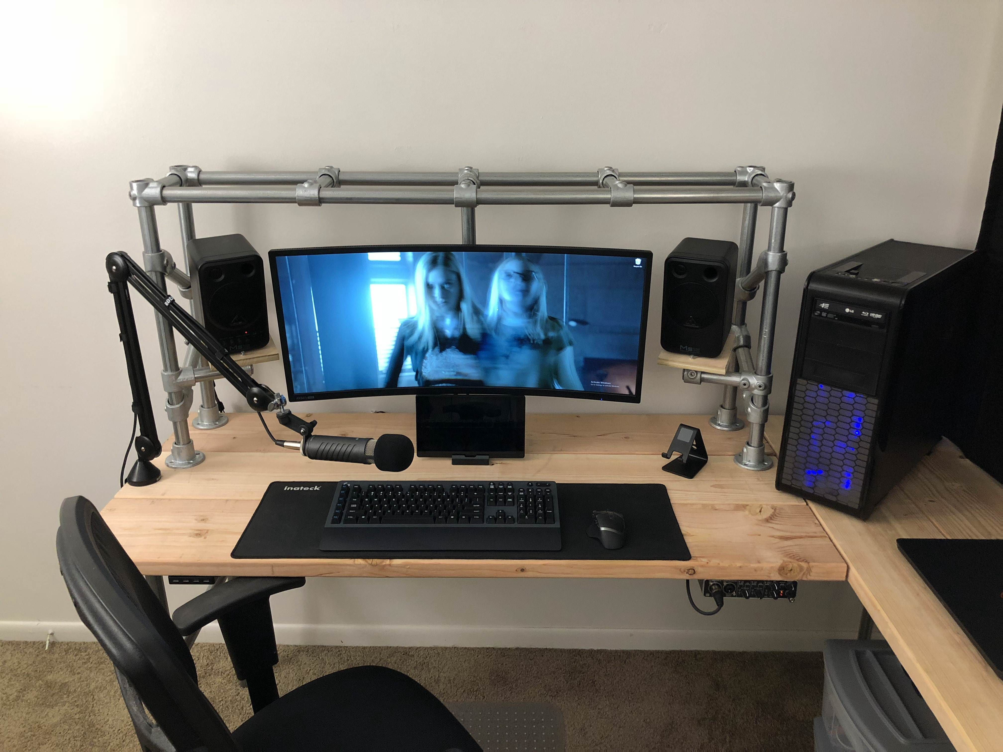 Diy To The Max Custom Desk And Monitor Speaker Stand In