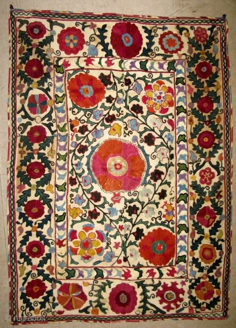 Uzbek Suzani 112 X 82cm Suzani Fabric Rugs On Carpet