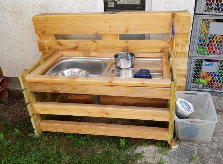 Matschtisch für Kinder aus Holz selber bauen – Anleitung ...