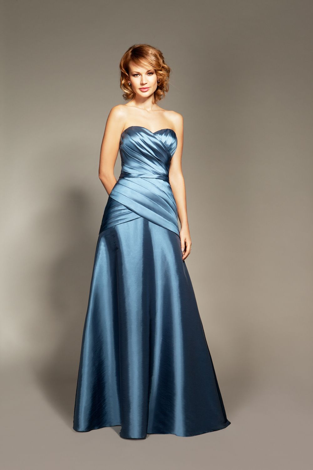 Winter Bridesmaid Dresses: 15 Enchanting Styles | Winter bridesmaid ...