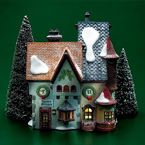 Tassy's Mittens & Hassel's Wol Christmas villages, Santa