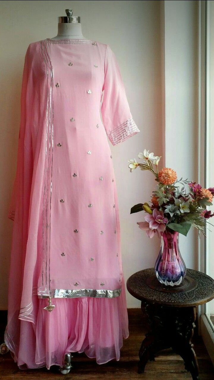 Pin de Raj Singh en indian dresses | Pinterest | Vestido medieval ...