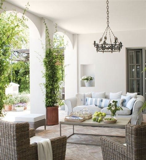 Inviting patio-Roses and Rust