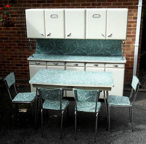 1950s Kitchen Cabinets: If Only I Had Space For This :( VINTAGE RETRO DECO
