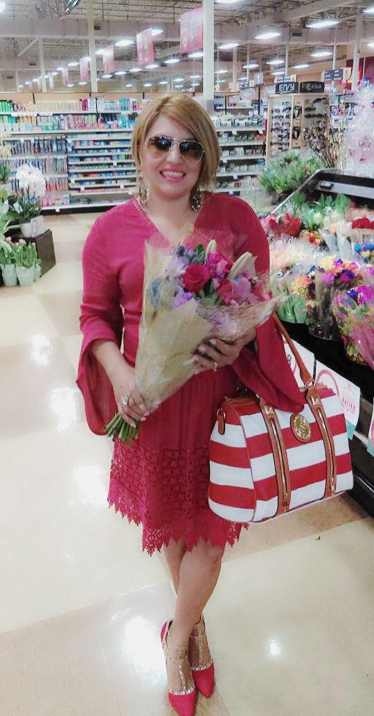 Feliz día de las madres y como conquistarla con rosas, especialmente rojas.