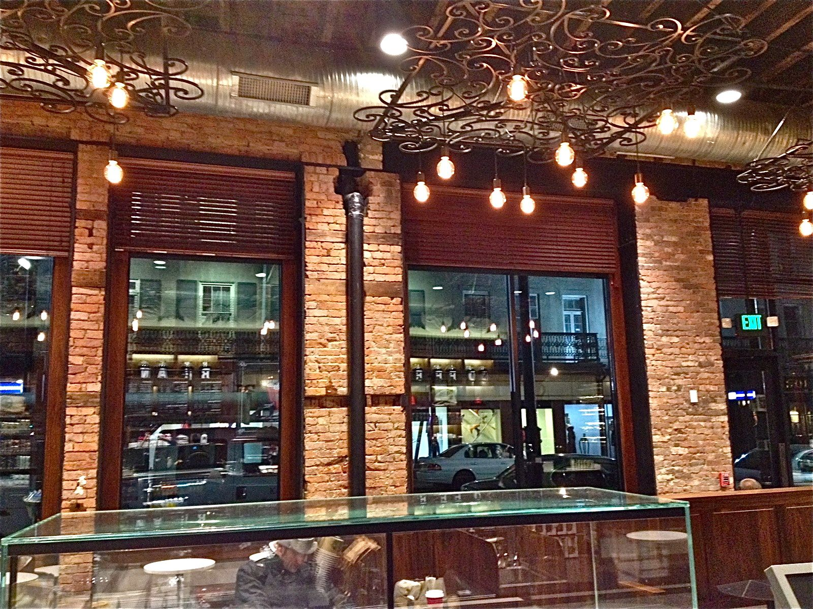 Thin brick veneer interior starbucks new orleans for Modern brick veneer