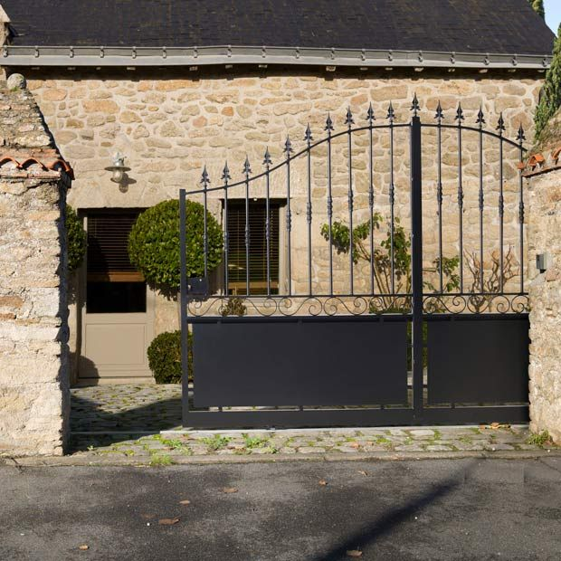 portail coulissant acier dampierre sans festonnage fences gate and custom gates. Black Bedroom Furniture Sets. Home Design Ideas