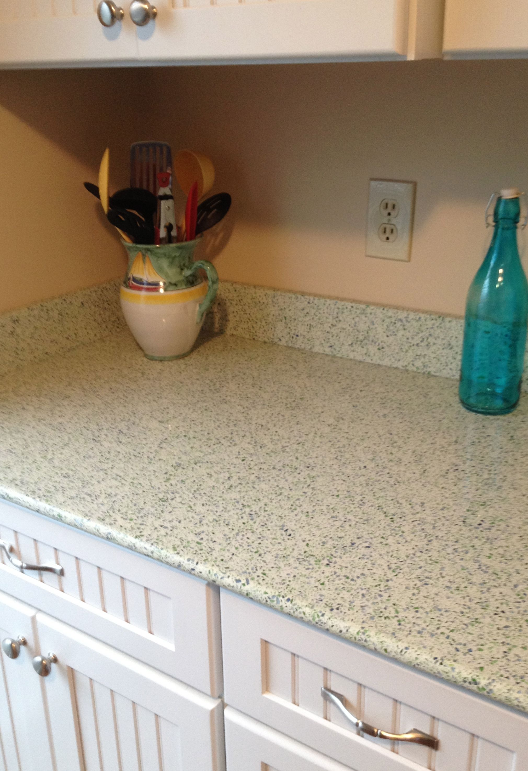 Here Are My New Recycled Glass Countertops From Geos Recycled Glass Countertops Cost Of Countertops Glass Countertops
