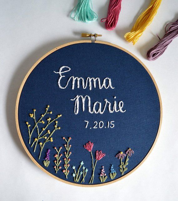 Custom Name Embroidery Hoop, Baby Name Embroidery, Nursery Wall Art, Embroidery Hoop Art, Baby Shower Gift, Wildflower Name Sign #fleursentissu