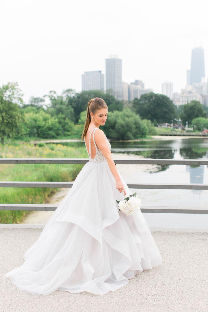 A Romantic Modern Wedding At Hotel Arista In Chicago Illinois Preloved Wedding Dresses Wedding Dresses Princess Wedding Dresses