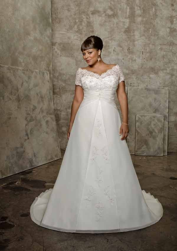 Off-the-shoulder lace plus size wedding dress: A-line wedding ...
