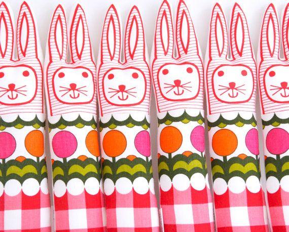 Conejito de juguete infantil escandinava blando por Janefoster, $27.00
