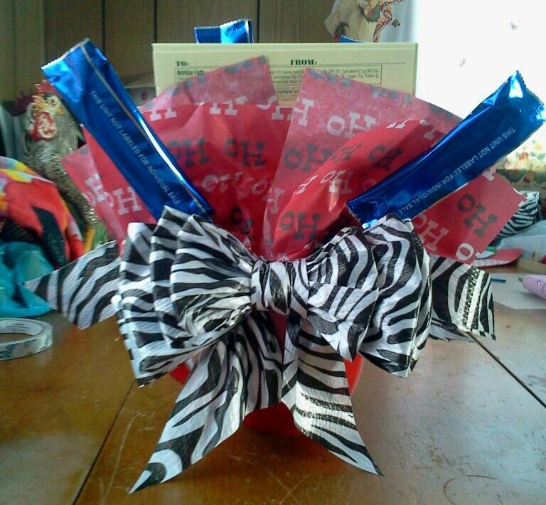 Bow on back of christmas candy bouquet...my favorite one i've done so far