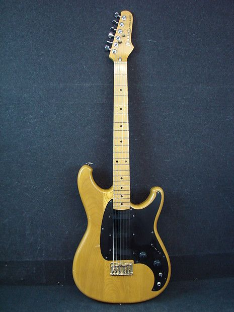 Guitar No21 An Ibanez Roadster Or Roadstar Ll The Model I Owned Had A Beautiful High Gloss Natural Maple Wood Finish No Scratchplate Set Neck And