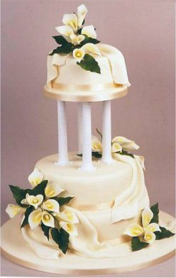 Calla Lilies Wedding Cake Decorations Love The Poles Maybe A Little Shorter Likes Creme Color Flowers And Fondant Layered On Lie Fabric