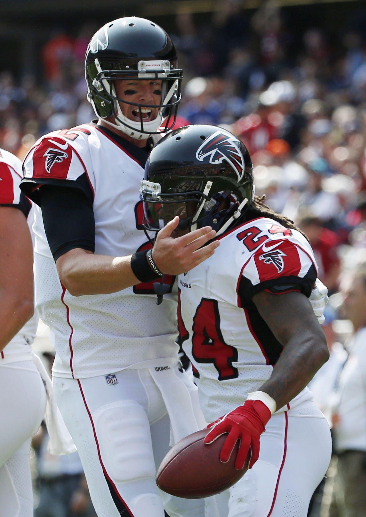 Falcons Bears Football Matt Ryan Devonta Freeman Pg 600 Jpg 1 280 1 805 Pixels Bears Football Devonta Freeman Atlanta Falcons