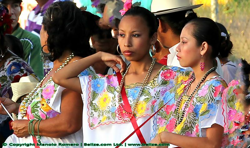 What is the national costume of Belize?