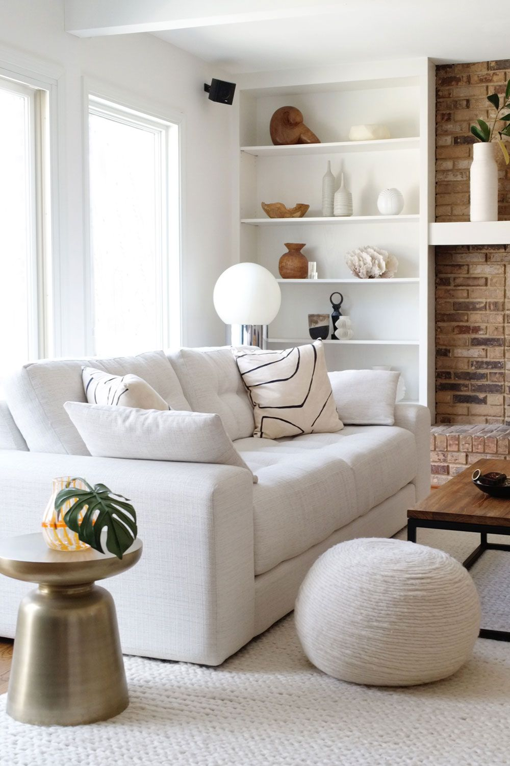 Beautiful Distractions No 19 In 2020 Home Decor Living Room Design Decor White Sofas