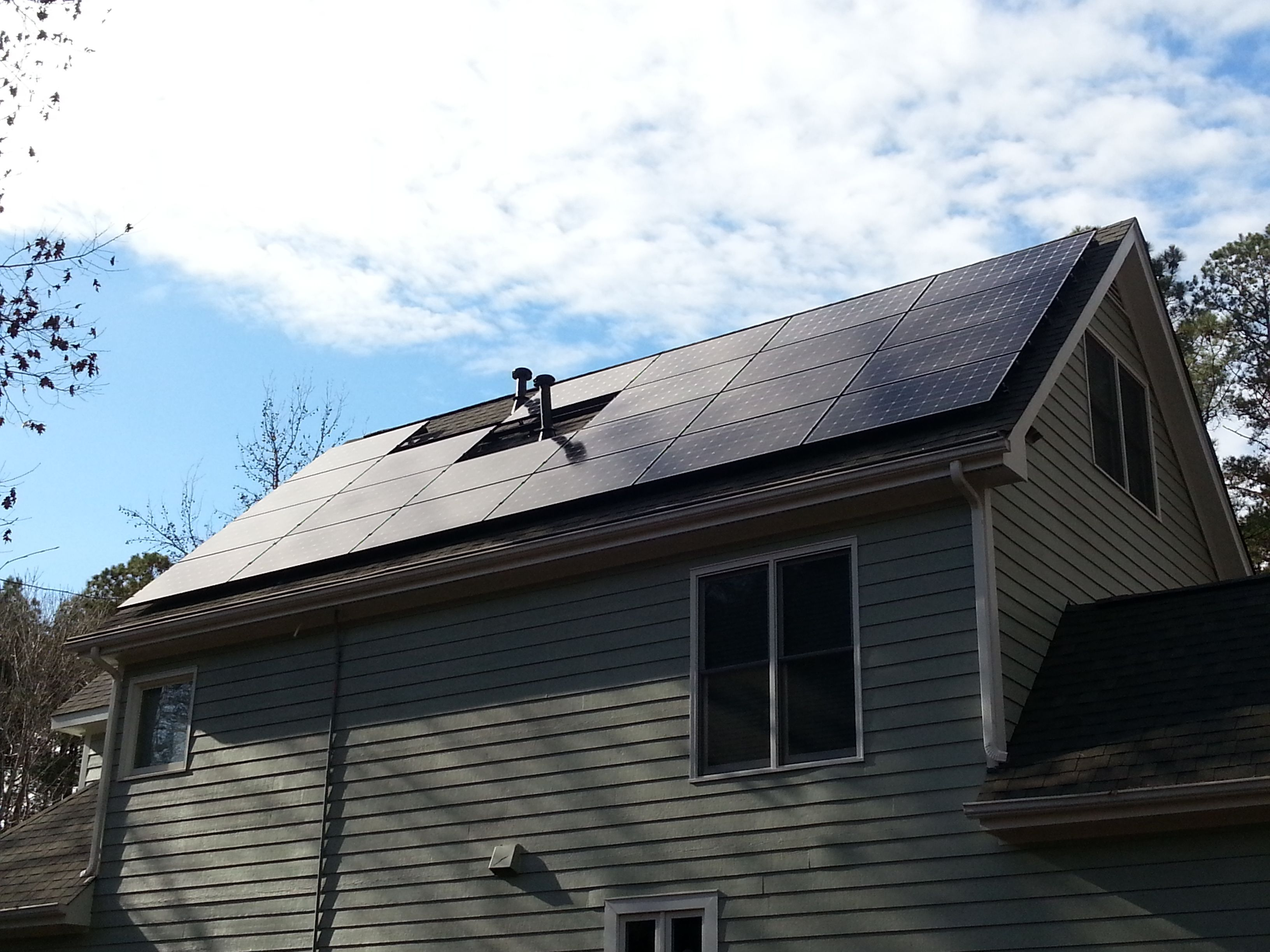 16 320 Watt Solar Panels Go Up On A Home In Raleigh Nc Making A 5 12 Solar Array Solar Outdoor Decor Outdoor