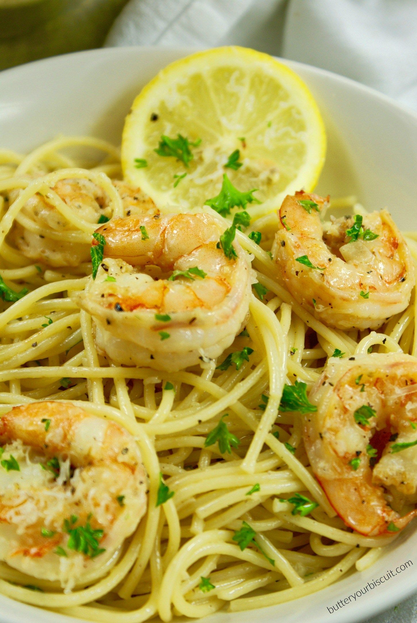 Lemon Garlic Shrimp and Pasta #shrimppasta