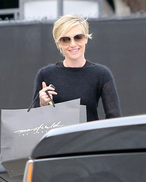 Portia De Rossi New Hair: Portia De Rossi Shops In Beverly Hills