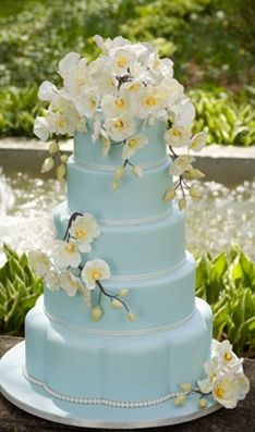 light blue and yellow wedding cakes light blue and yellow wedding cakewedding cakes pictures 16852