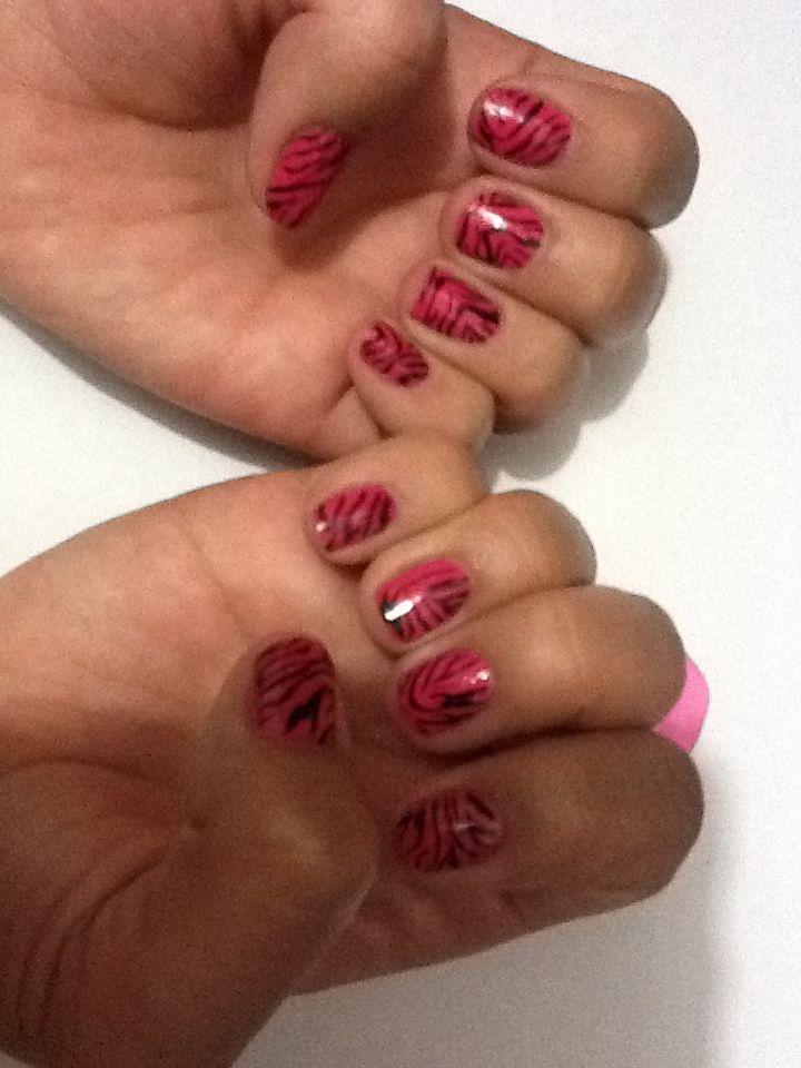 Mis uñas, pintadas por mí!!!!!!