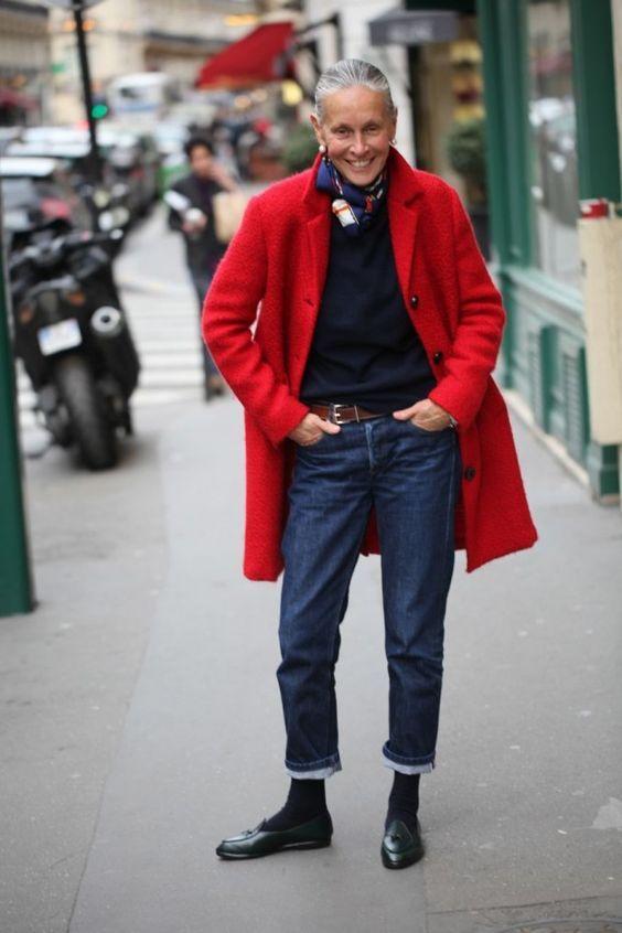 Come vestirsi dopo i 50 anni  idee looks.. strepitose!  e5cac3df43d