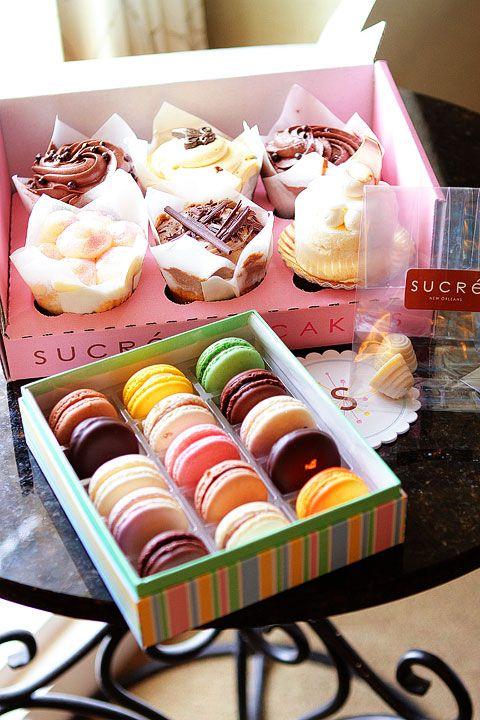 cupcakes and maccarons
