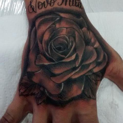 Tattoo Rosas Tattoo Rosa Sombreada Mao Neyatattoo Tatuagem Na Mao Tatuagem Na Mao Masculino Tatuagens Sombreadas