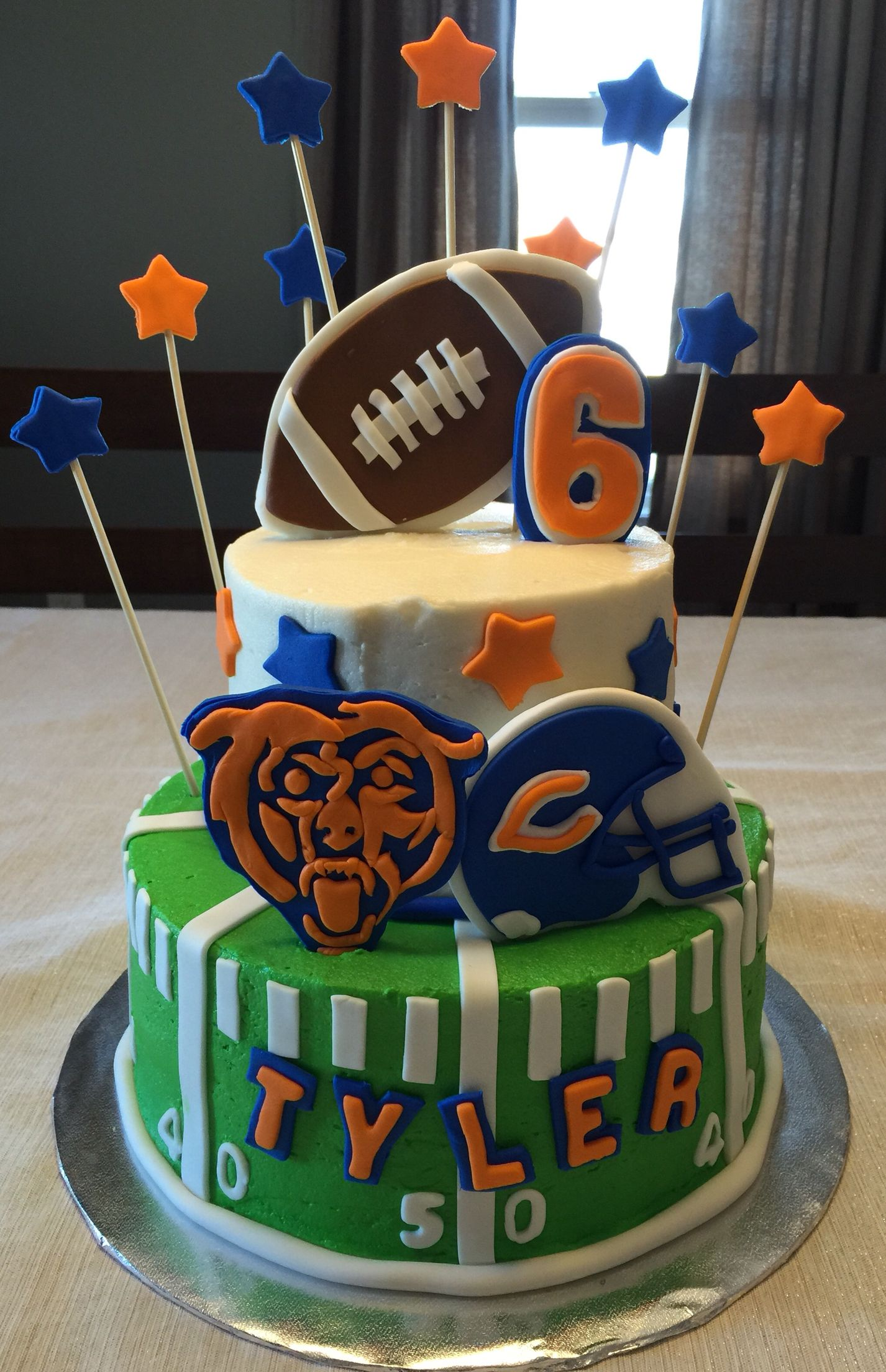 Brilliant Chicago Bears Cake Chicago Bears Cake Bear Cakes 40Th Birthday Funny Birthday Cards Online Kookostrdamsfinfo