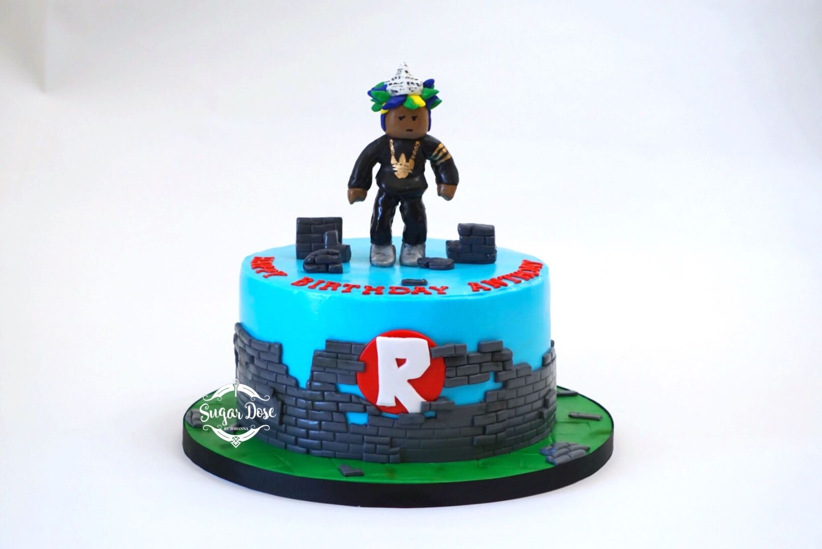 Custom Roblox Cake with custom hand sculpted avatar topper  | Roblox