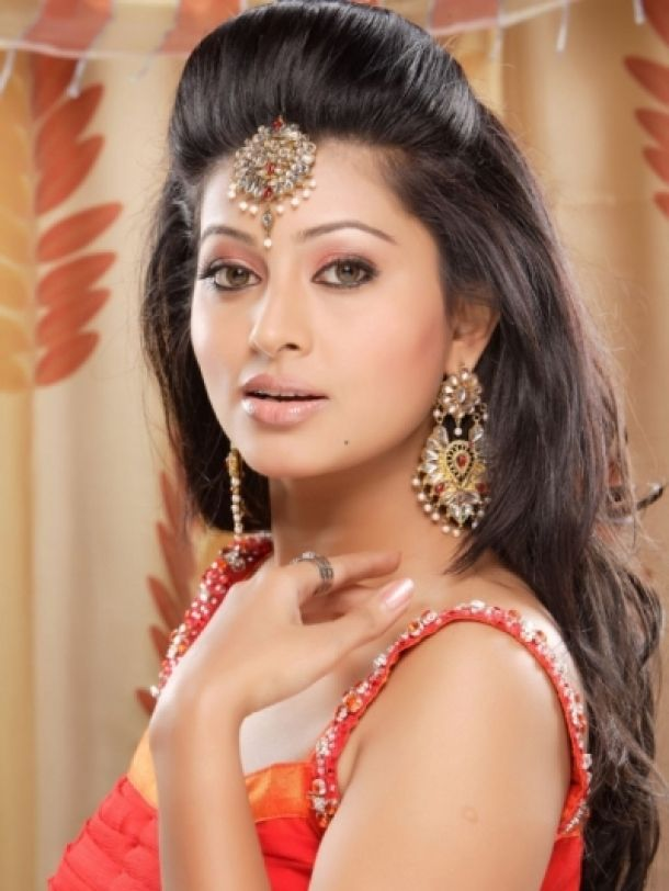 Indian Wedding Hairdos | Fashion Design: Wedding Hairstyles And Makeup  Trends 2013 For Brides