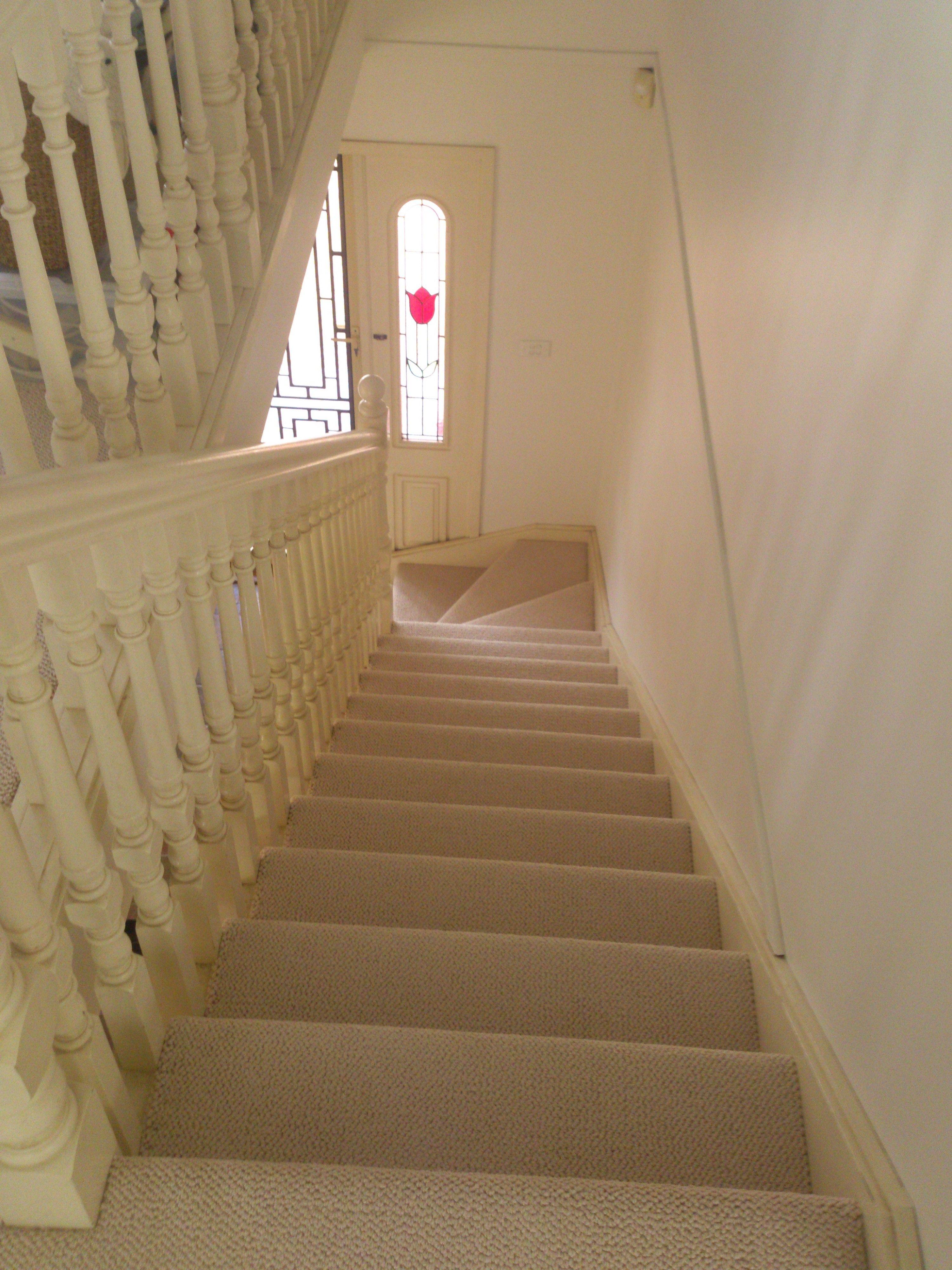 Best Durable Loop Carpet On The Staircase Flooring 400 x 300