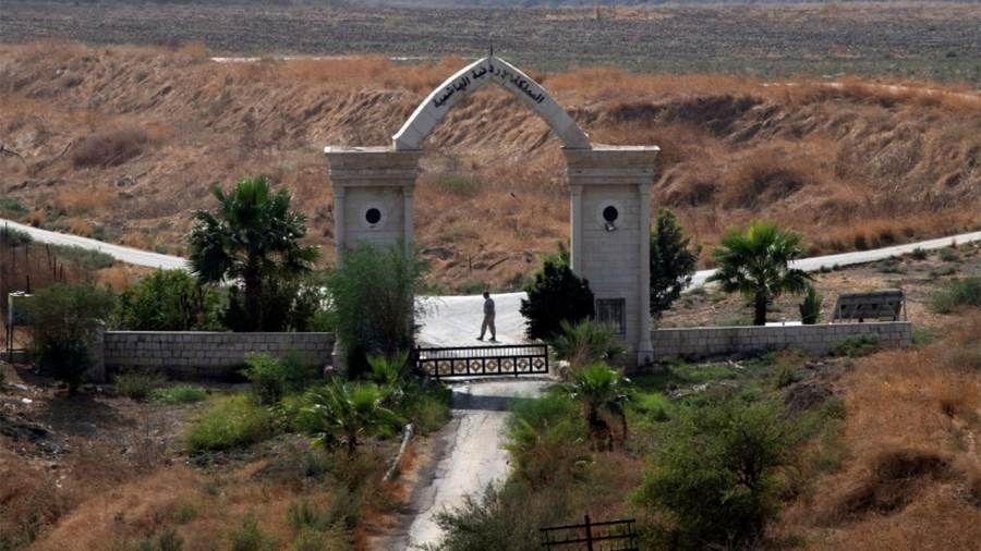 بعد ربع قرن من الاحتلال عودة السيادة الأردنية على الباقورة والغمر Garden Arch Outdoor Outdoor Structures