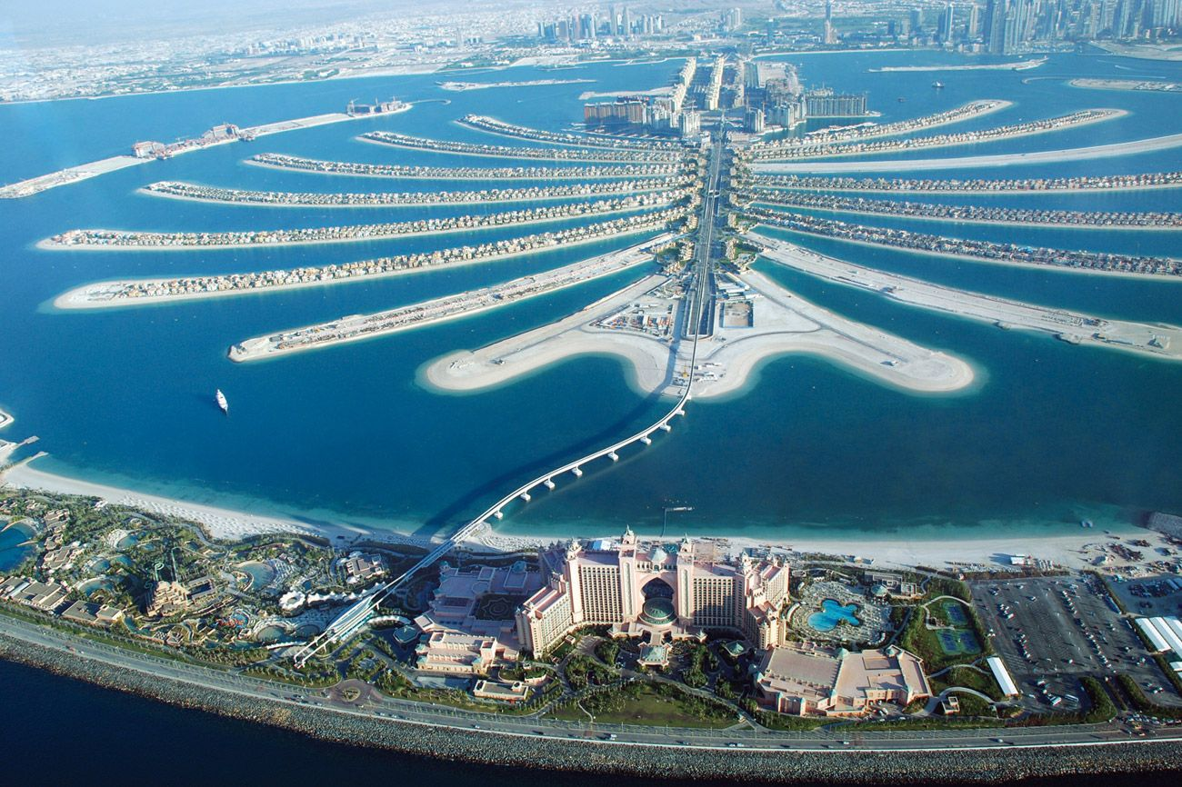 Great Artificial Island Built In Dubai. Palm Jumeirah Is One Of The Expensive  Places To Live In Dubai. How Says That It Is Not A Place For You? Pictures