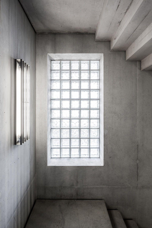 Subtilitas Glass Blocs Staircase Concrete Gray Circulation