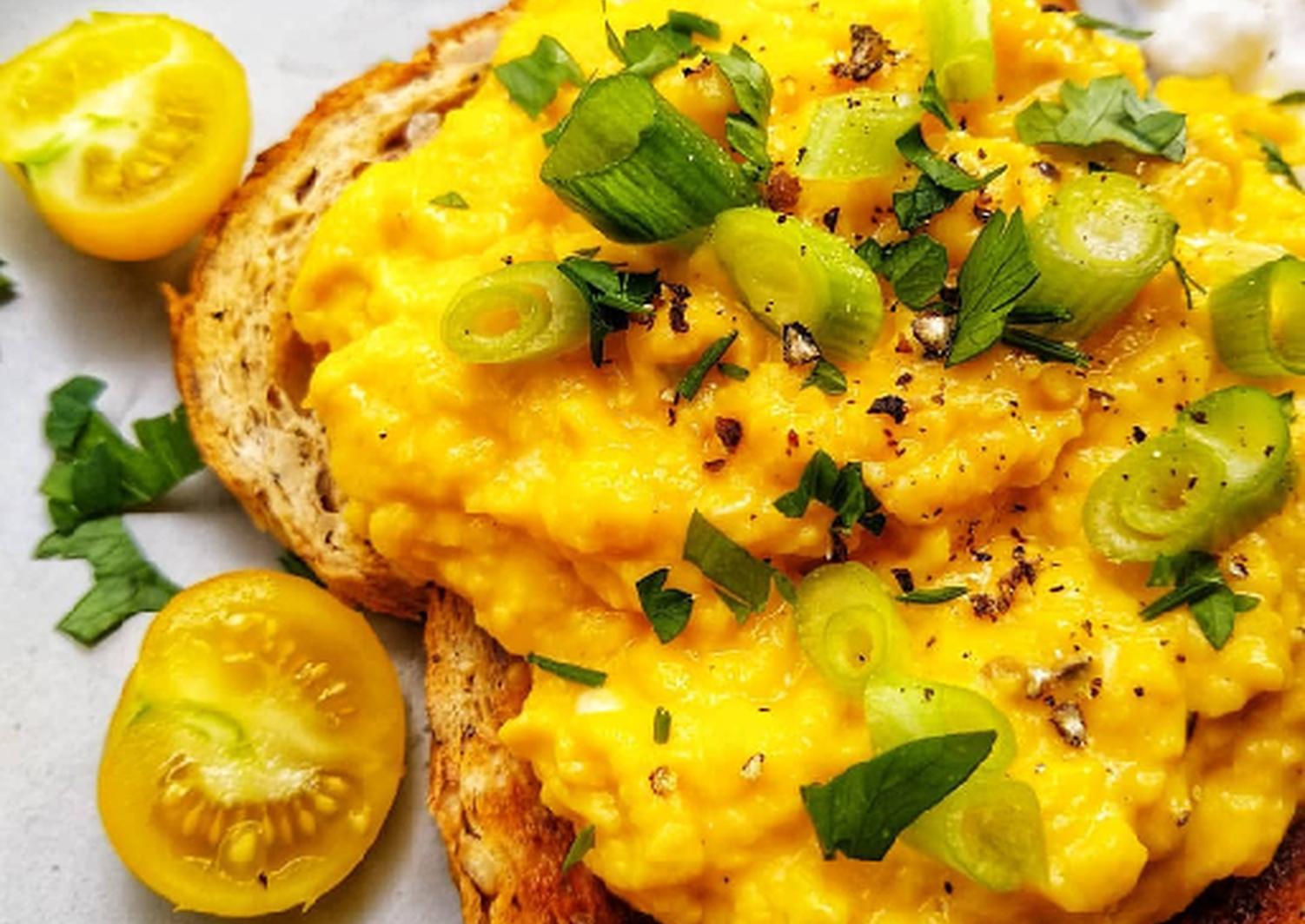 Tumeric Scrambled Eggs