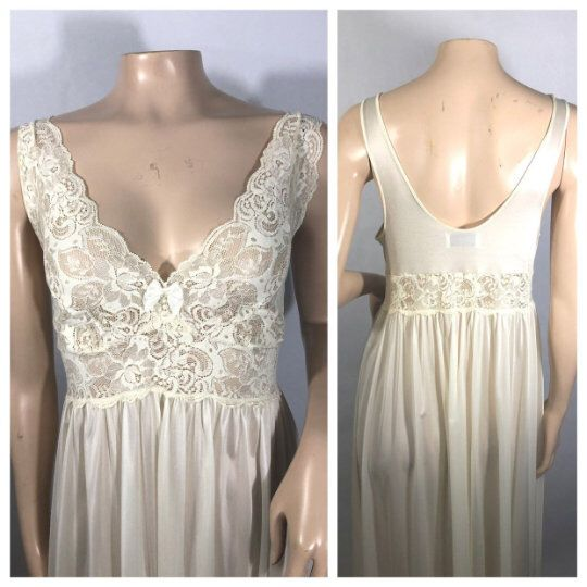 8b7e3301f50a Vintage Ivory Maxi Gown M   1980s Ivory Nylon Lace Bodice Maxi Gown  Nightgown   80s Loungewear Bridal Lingerie