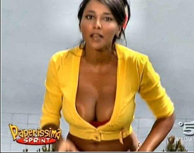 nuda Giulana moreira