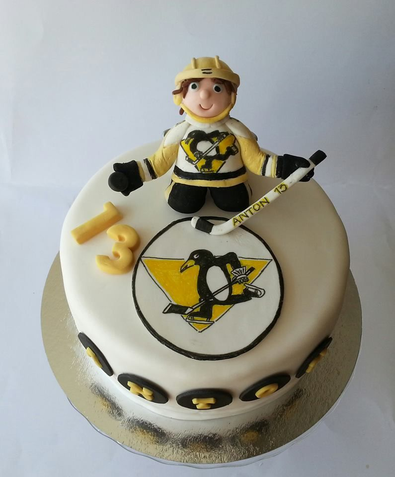 Hockey cake Sokerikoristeet sugarcrafttutorials Pinterest