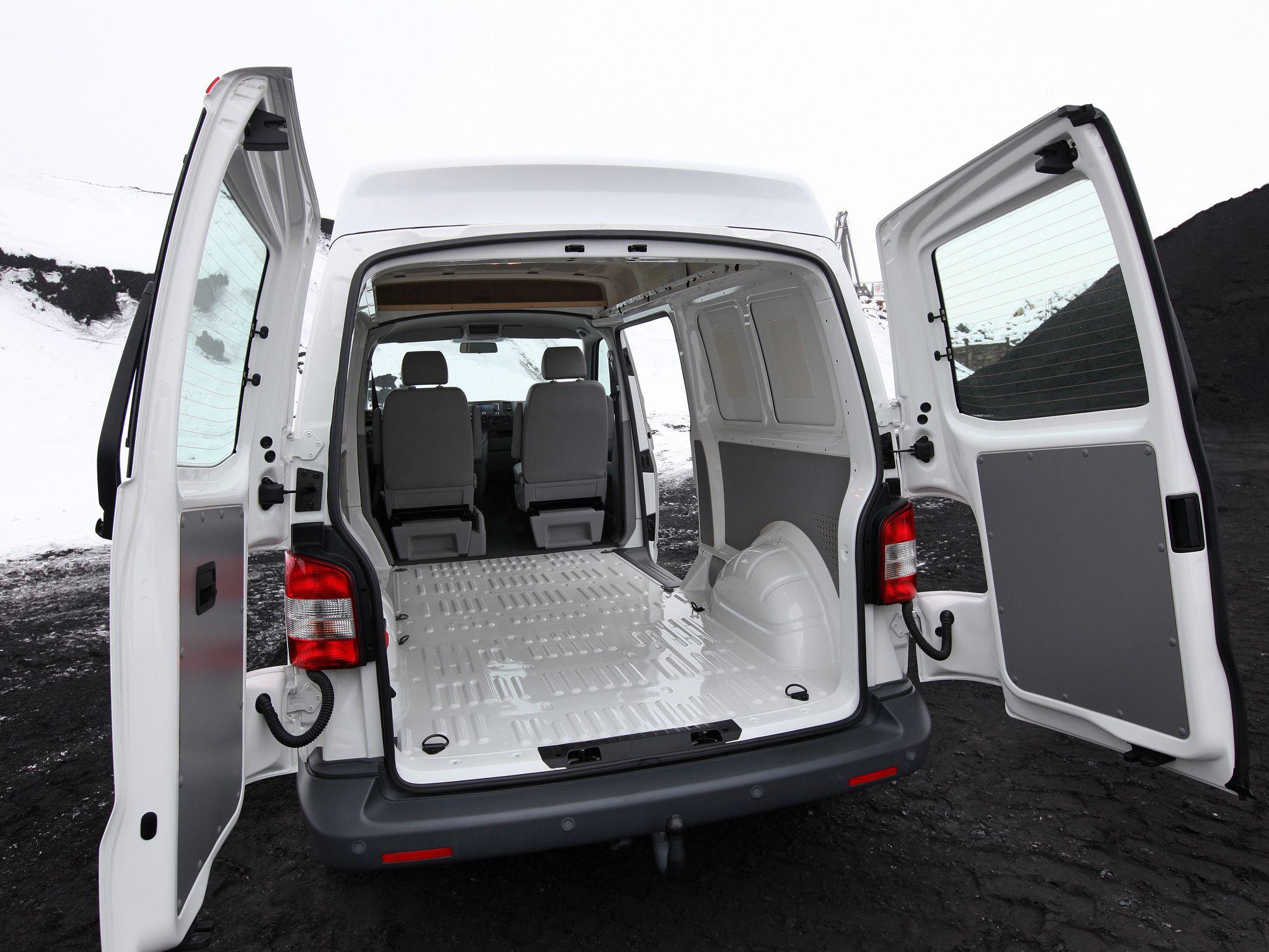 interior volkswagen transporter van medium high roof t5 39 2009 pr van life pinterest. Black Bedroom Furniture Sets. Home Design Ideas