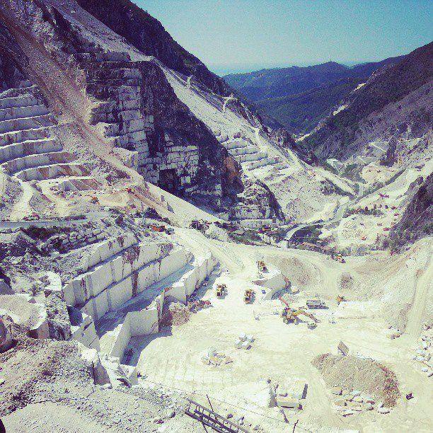 All rounded Tuscany Carrara, Diari di viaggio, Marmo di