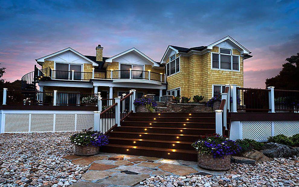 Best This Backyard Masterpiece Features Trex Decking Railing 400 x 300
