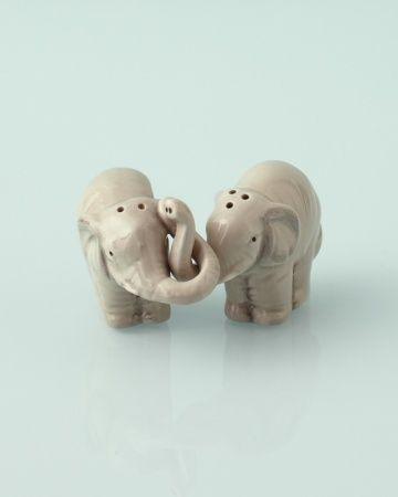 Love these elephant salt and pepper shakers