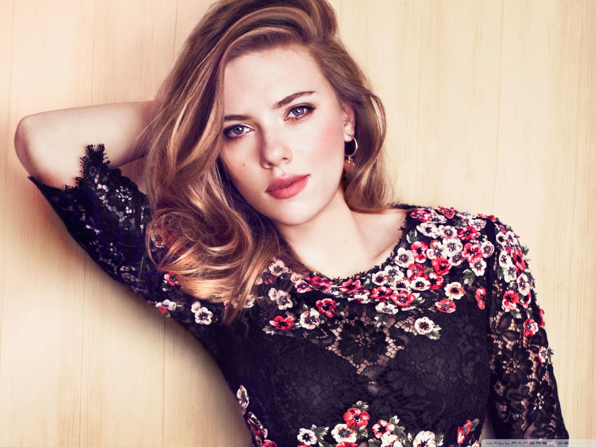 Download Scarlett HD wallpaper for laptop