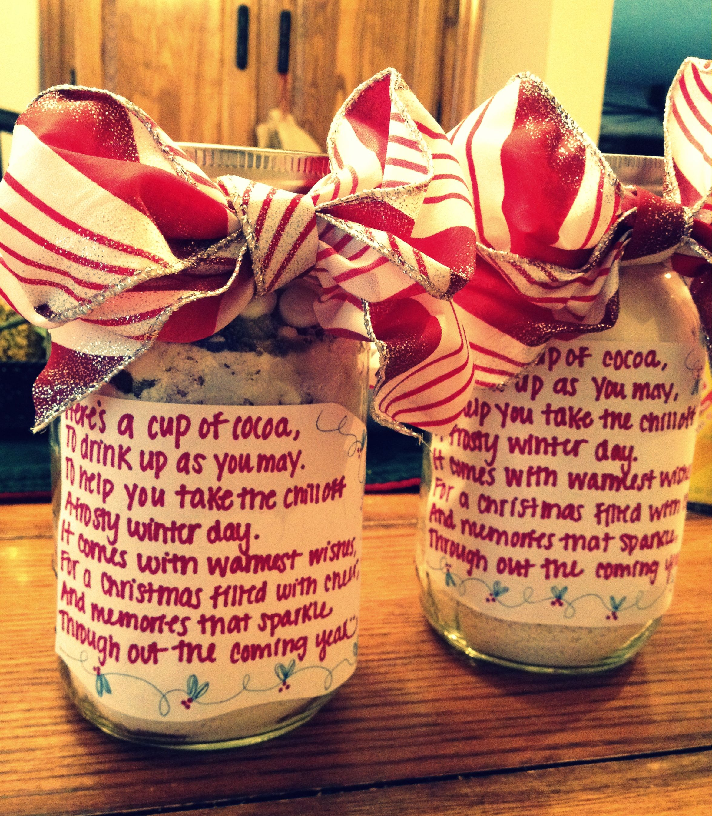 Easy christmas gift layered hot chocolate mix in mason