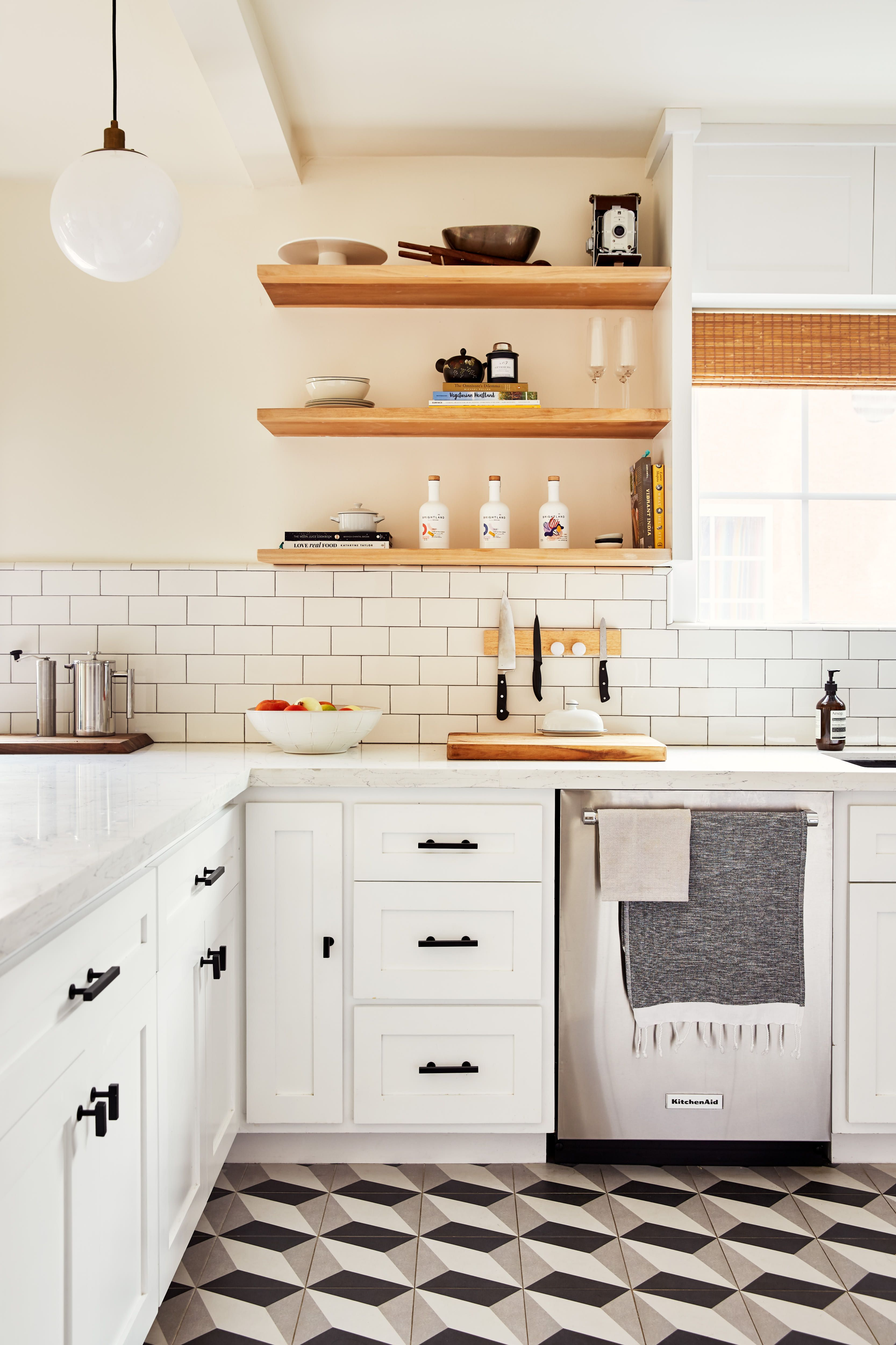 This Founder S Gorgeous La Kitchen Is Just As Bright As Her Brand Kitchen Remodel Kitchen Renovation Kitchen Cabinets