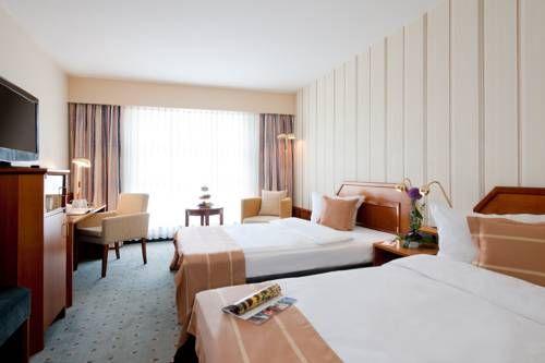 Hotel Kassel direkt buchen: Das Tryp by Wyndham Kassel City Centre nahe Hauptbahnhof bietet Komfort Hotelzimmer & Top Anbindung zum Bergpark Wilhelmshöhe.