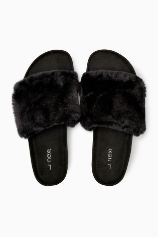 1e089164d7be NEED! These Black Faux Fur Slider Slippers are sooo on trend now ...